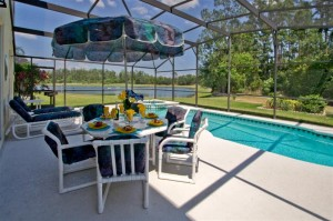 DisneyHomeFromHome.com  - Swimming Pool